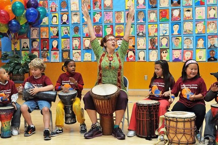 Drummm jeni swerdlow with kidzbeat summer camp students